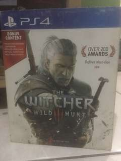 Dvd PS 4 the witcher : wild hunt