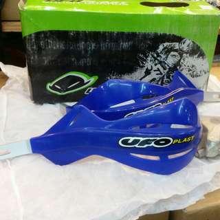 BRUSH GUARDS  ( UFO ) colour blue