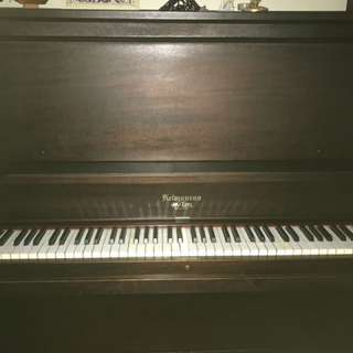 Kelmonros Piano + Bench