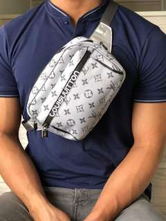 Lv Pouch Bag /Grey (Grade 5AAA)