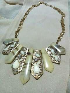 Necklace (in bundle promo)