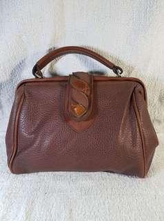 Auth leather doctor handbag