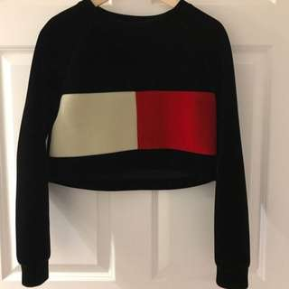 Authenetic Tommy Hilfiger crop top