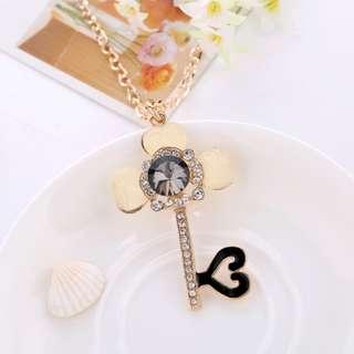 ╭✿蕾兒0509✿╮HA042-韓版新款吊墜 經典百搭愛心鑰匙超閃鑲鑽水晶長款項鍊毛衣鏈