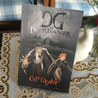 DG Chronicles the first escape book 1