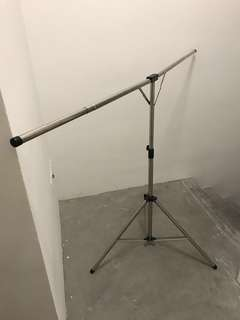 Mobile cloth hanger extendable