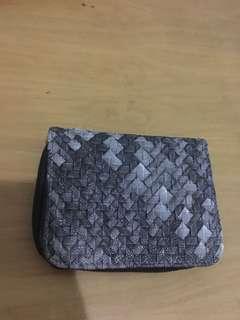 Wallet abu