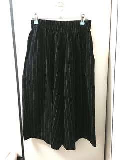 🚚 黑色線條七分寬褲(全新/吊牌還在)