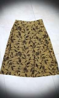 Veeko Vintage khaki leave print A line Skirt w pleats