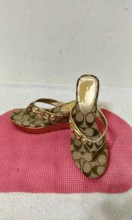 八成新~ COACH 楔形厚底夾腳涼拖鞋 尺寸 : ~ 9~ (23公分)