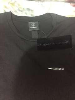 Peaceminusone 黑色短袖衫