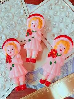 🚚 1940年製造-抱花束的粉紅女孩-手搖鈴-Little Girl With Flowers-古董娃娃