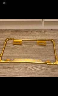 鷹•小7碼機車牌框 金色