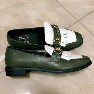 低價出清👍🏻 流蘇撞色方頭樂福鞋-軍綠