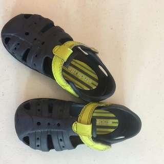 Stride rite sandals size 27