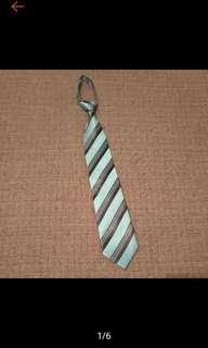 全新 Man First時尚亮藍灰條 手打領帶 寬版領帶 拉鍊領帶懶領帶