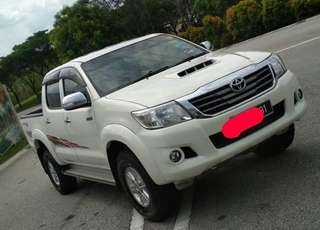SAMBUNG BAYAR/CONTINUE LOAN  TOYOTA HILUX VNT 2.5 G AUTO YEAR 2014 MONTHLY RM 1175 BALANCE 4 YEARS 6 MONTHS ROADTAX 2019 FULL SERVICE TOYOTA  DP KLIK wasap.my/60133524312/hilux