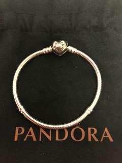 Pandora Moments Silver Bracelet witn PAVE Heart Clasp, size 17
