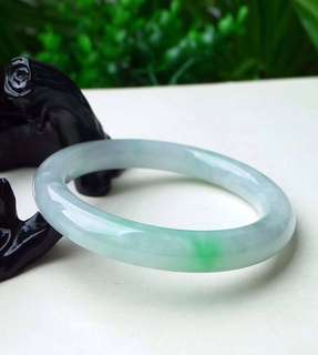64.2mm內圈 淡绿圆条圈手镯