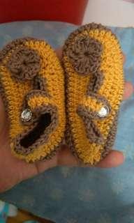 Preloved Crochet shoe for newborn