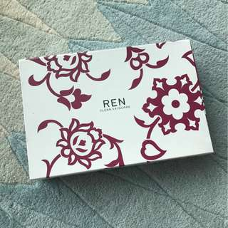REN bath body shower wash shampoo travel kit toiletries amenities lotion bar soap