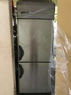 Sanyo 2 Door Upright Freezer
