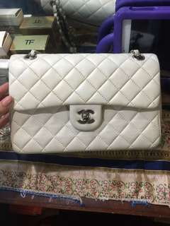 Peloved chanel bag lambskin Pearly white double flap medium! Bought in japan! Geniune leather! Normal sign of usage!