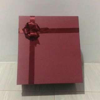 Gift Box / Kotak Kado