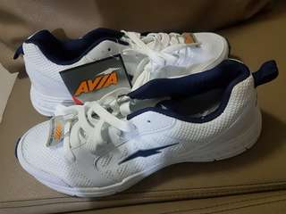 Avia shoes size8