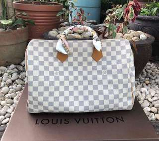 Selling for a friend  Authentic preloved Louis Vuitton Speedy 35 Azur