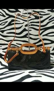 Louis Vuitton Amarante Monogram Vernis Roxbury Drive Bag with Sling Strap