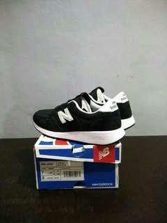 New Balance MRL 420 black BNIB