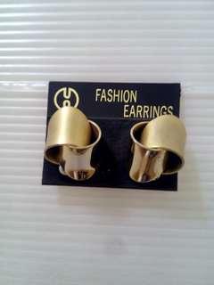 🚚 雙色耳環