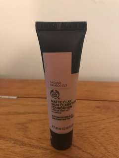 BODYSHOP - Matte Clay Foundation