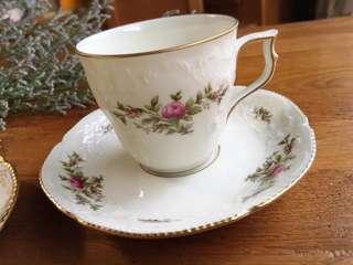 🚚 德國Rosenthal SANSSOUCI聖蘇西宮廷古典浮雕描金花卉咖啡杯組