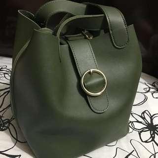 墨綠色餃子袋🎈