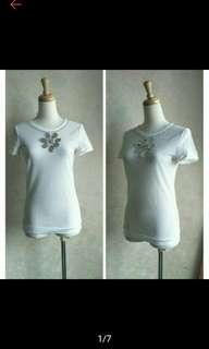 🚚 IROO 限量版經典水鑽縫製立體壓紋休閒短袖T恤上衣