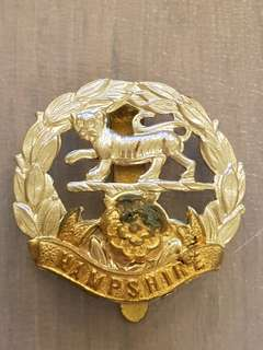 Genuine WW1/2 British Army Hampshire Regiment cap badge