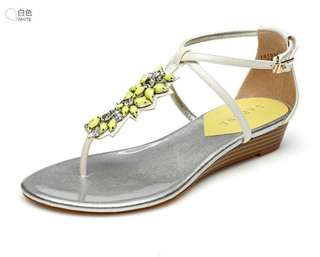 🚚 Daphne/達芙妮專櫃夏季韓版低跟夾趾丁字扣彩鑽女涼鞋 零碼清倉