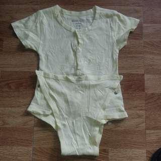 Onesies tshirt 12-18m