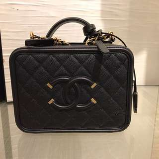 全新 CHANEL A93343 Medium Vantiy Case Camera Bag 有單 黑色 金鏈 CC Logo 牛皮 中號 Calf Leather Handbag