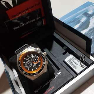 Authentic Technomarine