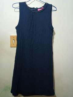 Sleeveless navy blue dress