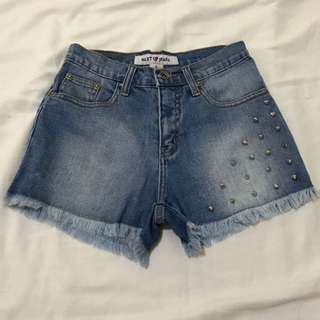 Maong Shorts with Studs