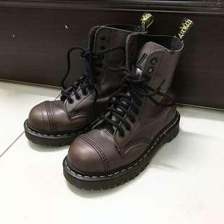 古著 英國製 Dr.martens 軟皮鋼頭10孔厚底鞋 圓頭