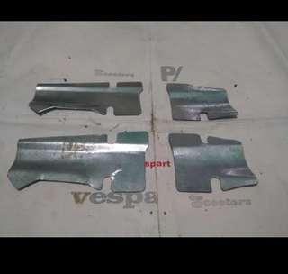 Vespa sprint under handle cover