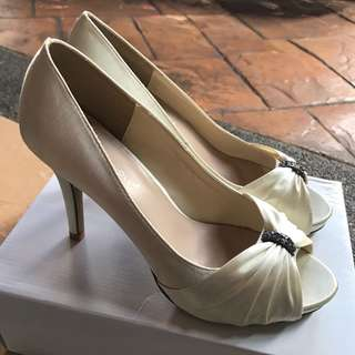 Preloved wedding shoes!