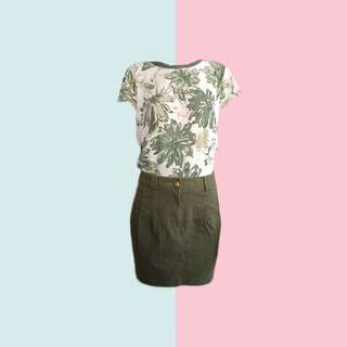 BUNDLE: 1👚1👖 ✅Printed Top ✅Army Green Denim Skirt ———————— Size: (Top) Up to M (Bottom) 26-37 Price: P350.00