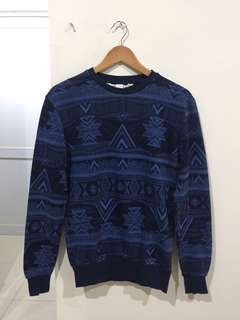 HnM blue sweater coachella