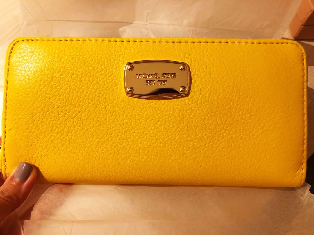 4c3008298965 Brand New Michael Kors Wallet in Yellow, Women's Fashion, Bags ...